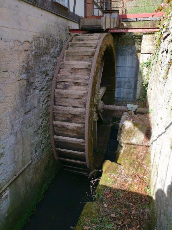 Oberschlächtiges Wasserrad der Mäulesmühle