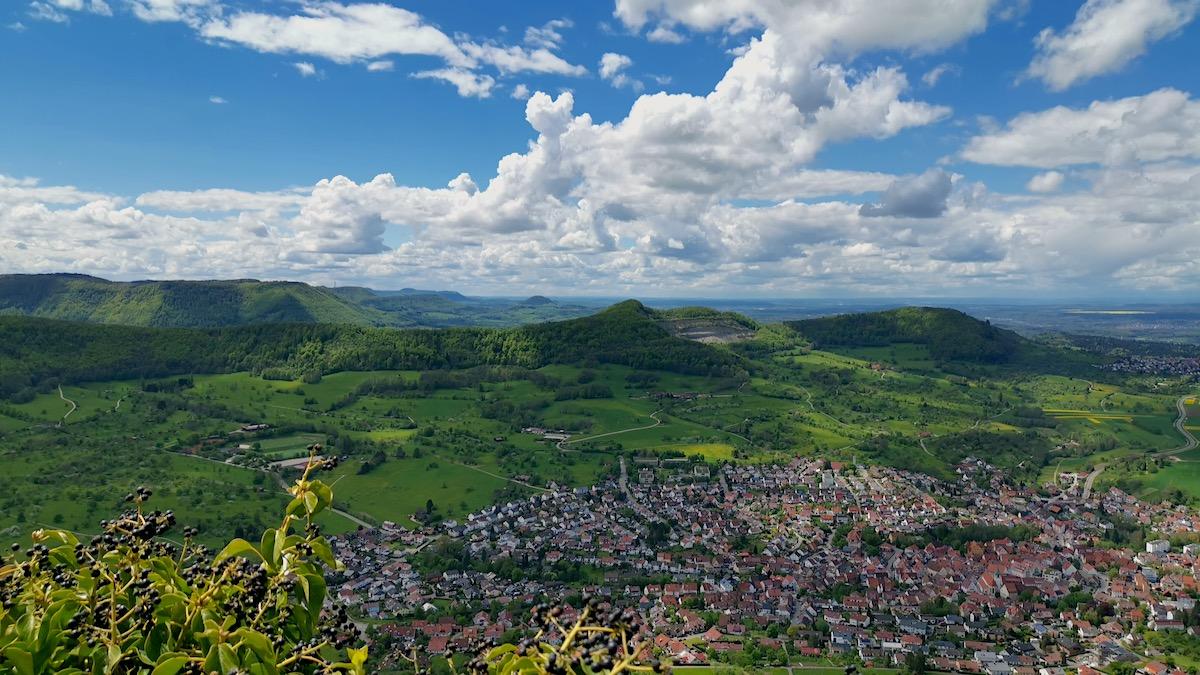Ausblick von der Burg Hohenneuffen (Wanderung: Hochgefestigt)