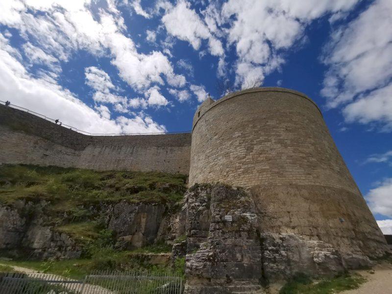 Was für ein mächtiger Bau die Burg Hohenneuffen doch ist