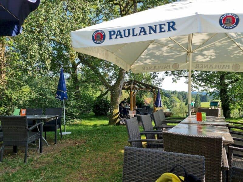 Ein Teil des Biergarten des Restaurants Strohbecks