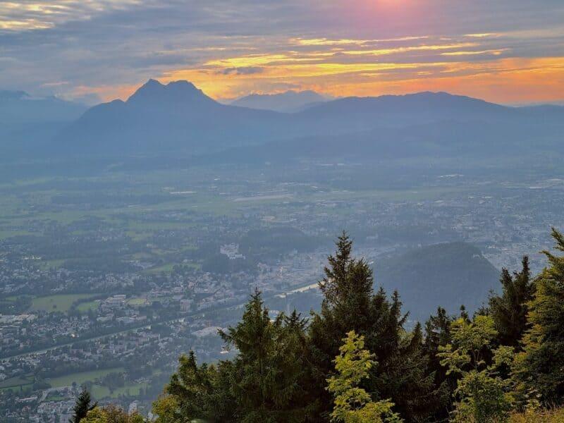 Sonnenuntergang über Salzburg vom Gaisberg aus