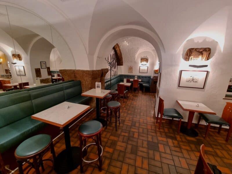 Ein Blick ins Cafe der Konditorei Fürst