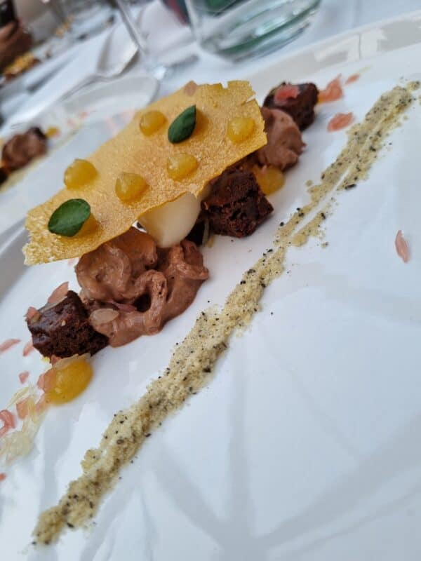 Limonen-Ingwer-Sorbet mit Earl Grey, Schokolade und Zitrus in der Apollo Bar im Schloss Hotel Mönchstein
