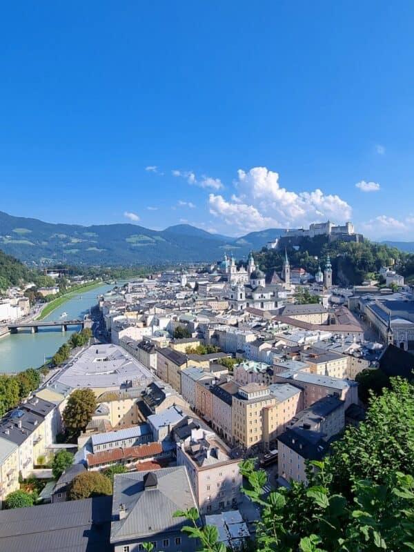 Herrlicher Ausblick auf die Altstadt von Salzburg inkl. der Festung Hohensalzburg